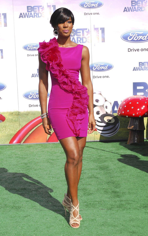 16 ways to wear the pretty little pink dress trends kelly