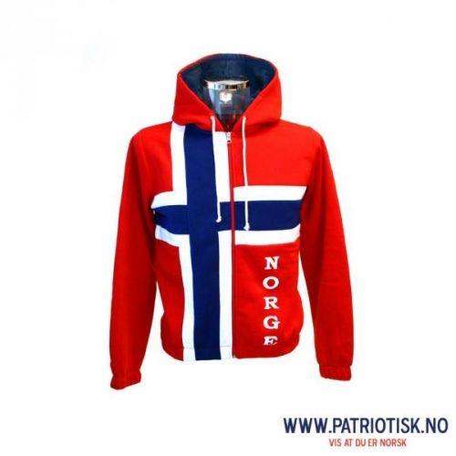 f8b24329 Kul college jakke i norsk flagg Vår absolutte slager! Dette er jakken for  alle som vil vise at de er norske. College jakke i 100% polyester med hette  og ...
