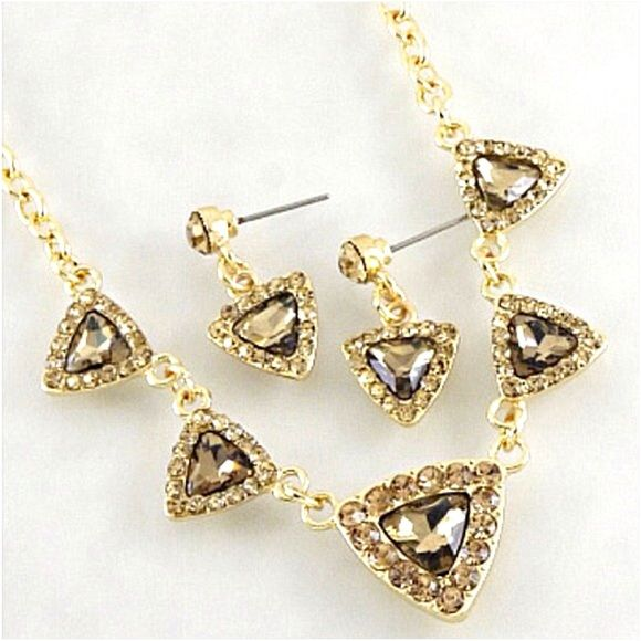 BUY 1 GET 1 FREECRYSTAL NECKLACE WITH EARRINGS Shiny crystals with matching earrings gold necklaceNICKEL FREE & LEAD FREE COMPLIANT Boutique Jewelry Necklaces