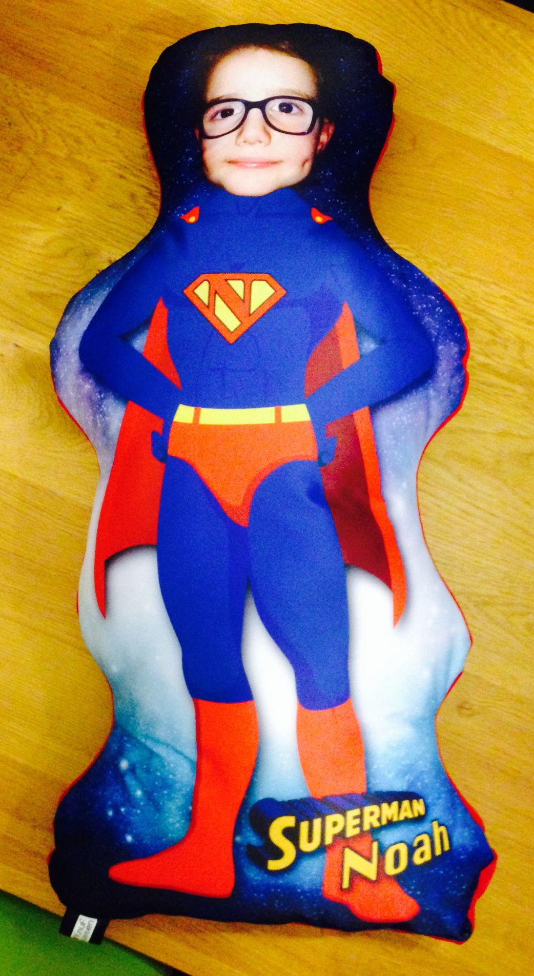 Knufkussen Superman, ontwerp en uitvoering Suture. ZIe www.mliu.nl