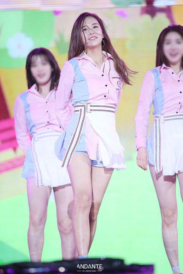 Netizens Label This Idol As Long Legs Beauty Long Legs Legs Fashion