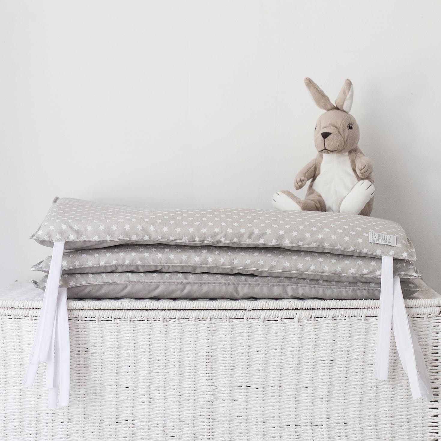 Protector de cuna chichonera baby room pinterest protectores de cuna cuna gris y - Protectores para cama cuna ...