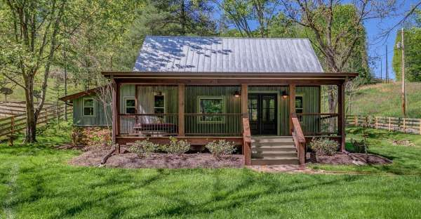 Do It Yourself Home Design: Do You Love This Cozy 1100 Sq Feet Log Cabin In The Woods