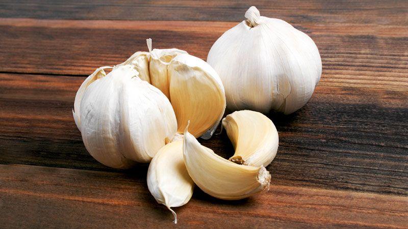 Garlic for pest control includes 3 diy garlic spray