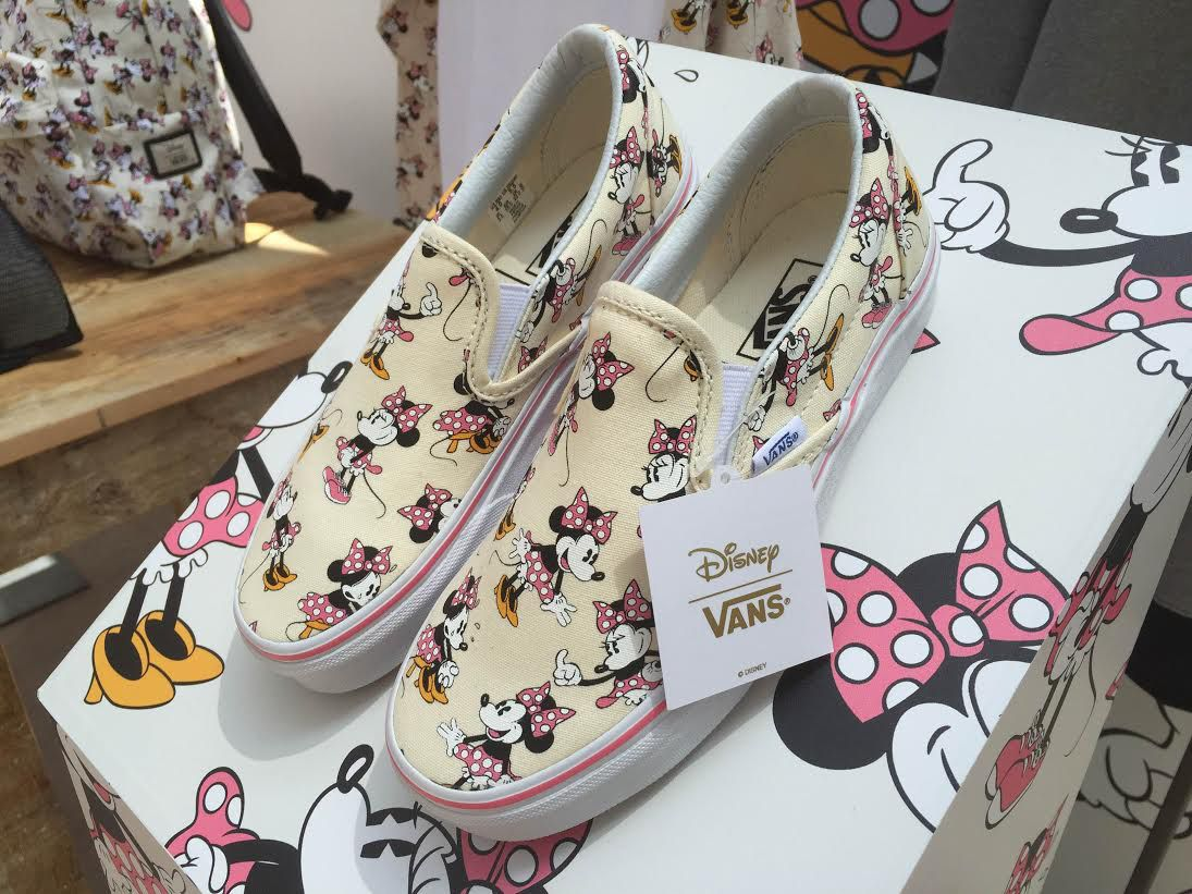 b0ca159581d62a Disney x Vans Slip On Minnie Mouse
