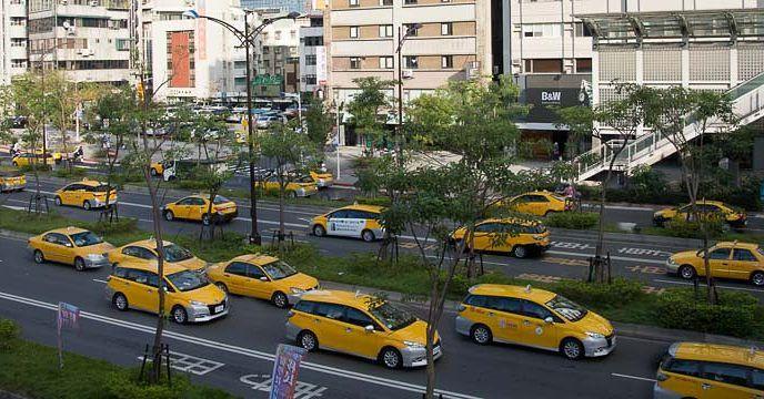 #Taipei #taxi #cab #fleet #yellow #fb #craigfergusonimages