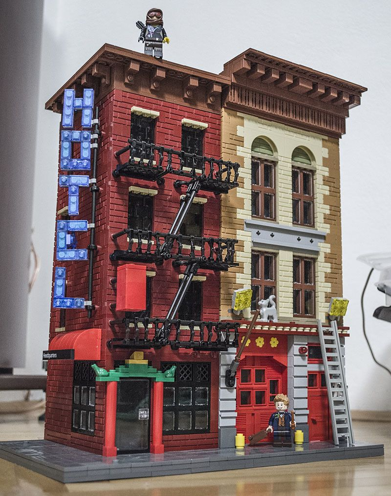 New York Chinese restaurant and a Fire station Lego