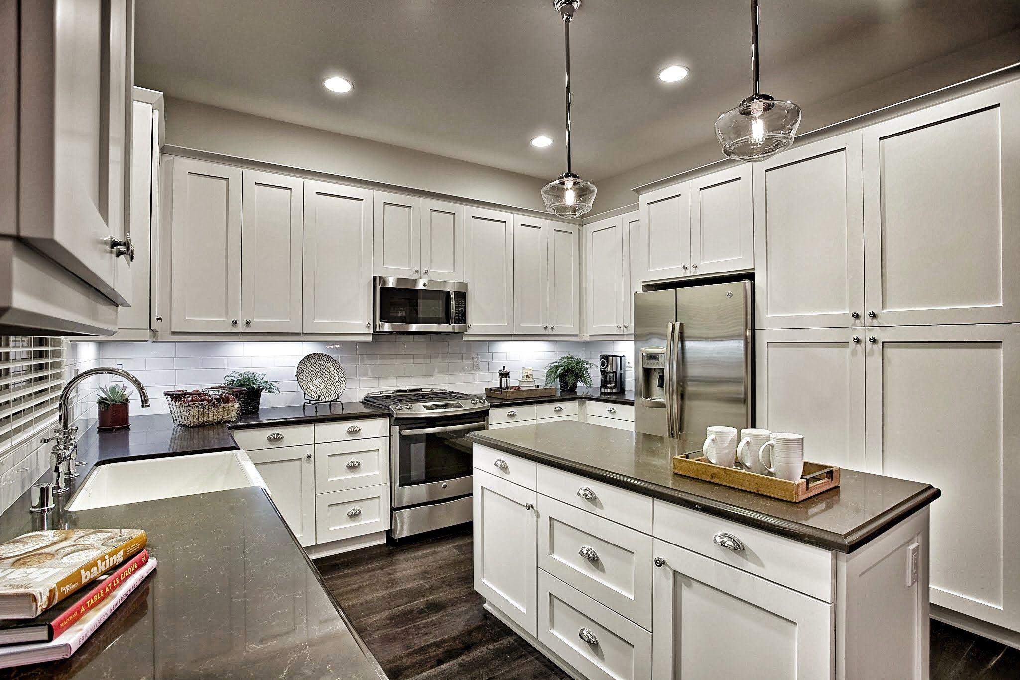 Picture perfect #kitchen. | Kitchen design, Beach kitchens ...