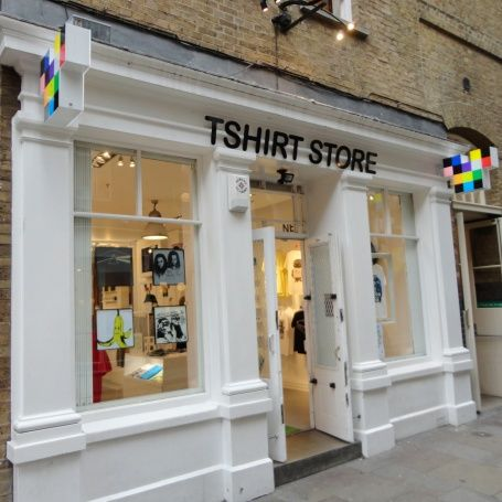 Swedish t-shirts store in Covent G | vidrieras e ideas tiendas ...