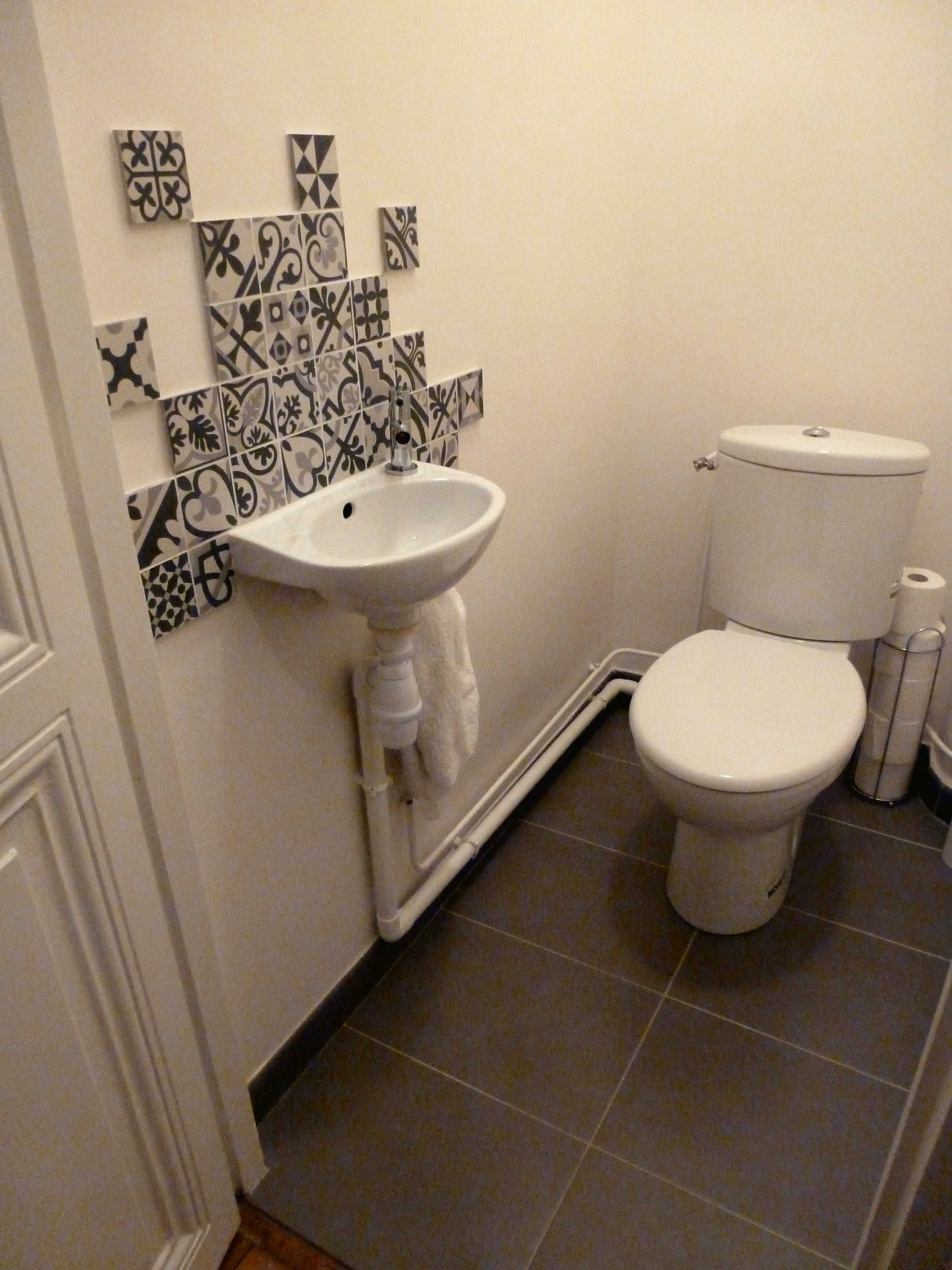 Wc Blanc Sol Ardoise Carreaux Ciment Boulogne Hostels Design