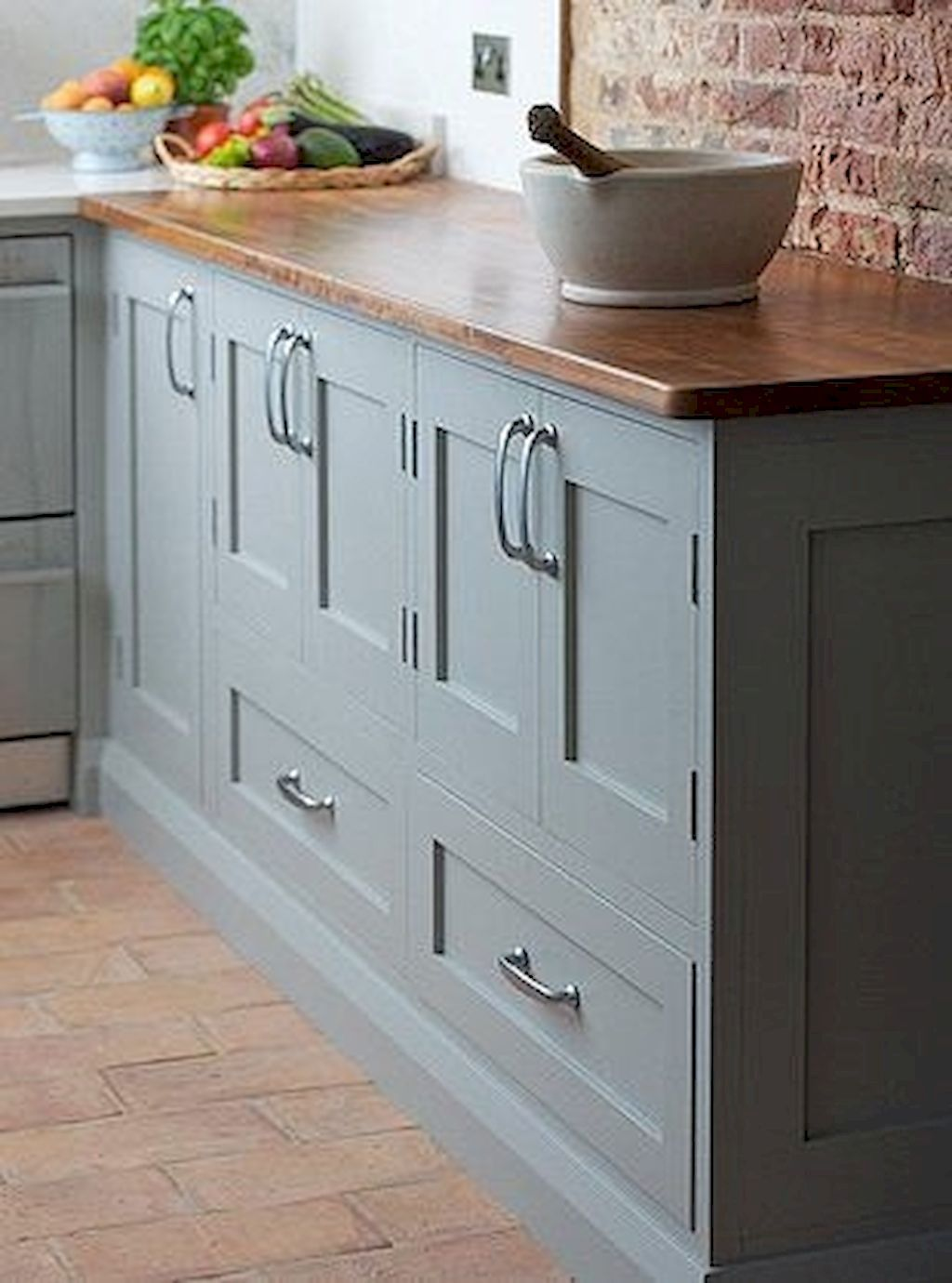 80 Best Farmhouse Gray Kitchen Cabinets Decor Ideas | Grey kitchen ...