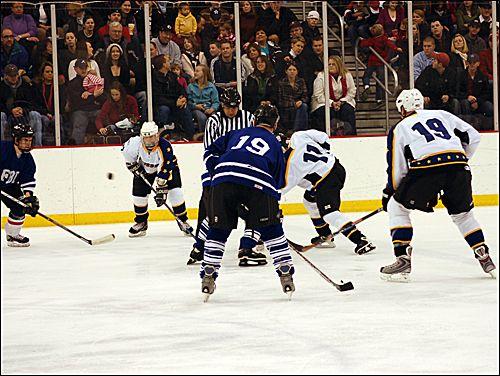 Football Online Sports Streaming Pin And Share Sports Hockey Hockey Games