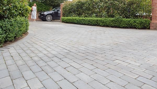 Fairstone Sawn and Tumbled Setts allée garage Pinterest