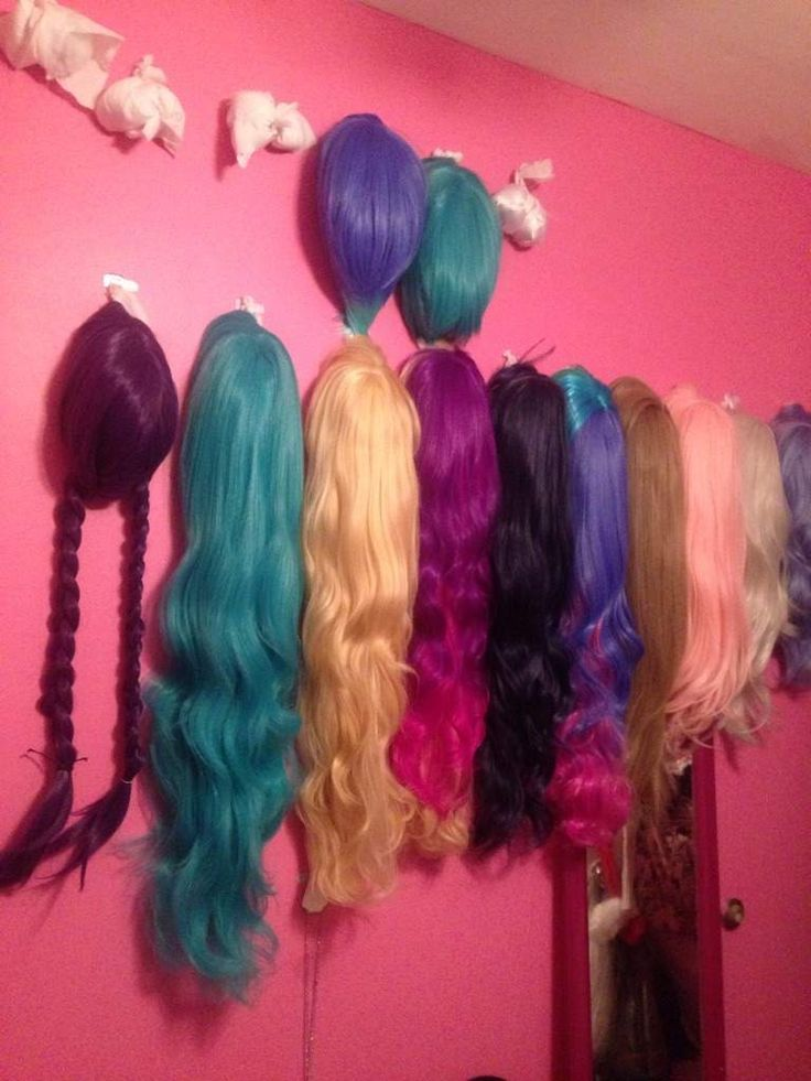 make wig wall cosplay