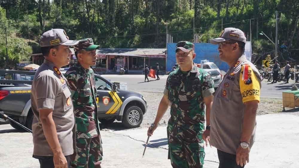 Perbatasan Jatim Jateng Melalui Magetan Masih Dijaga Ketat Polisi Tni Polisi