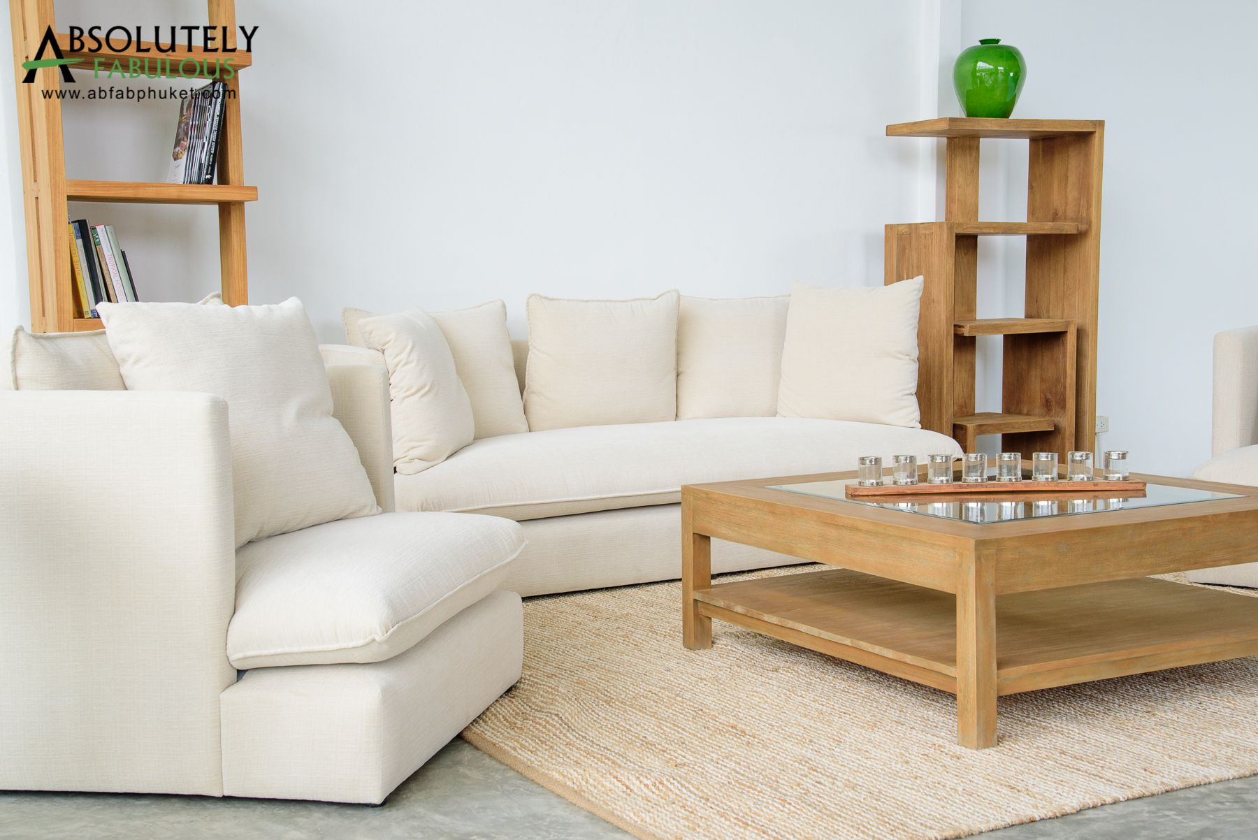 Classic, contemporary living room designs and couches using high ...