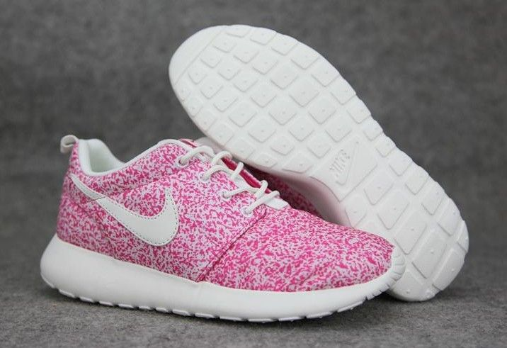 huge selection of 4d583 58db8 Baskets basses Nike Roshe Run Femme Mesh Pink Blanche