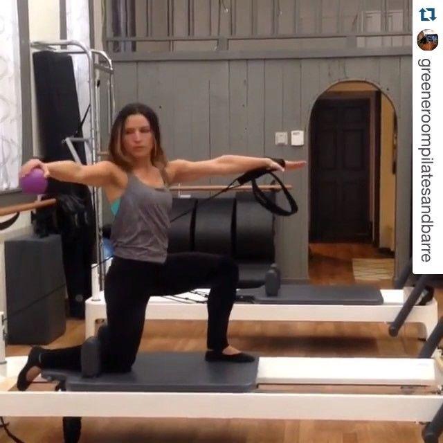 Pilates Pro Chair Tones Your Body Fitness Gizmos: Kneeling Single Arm