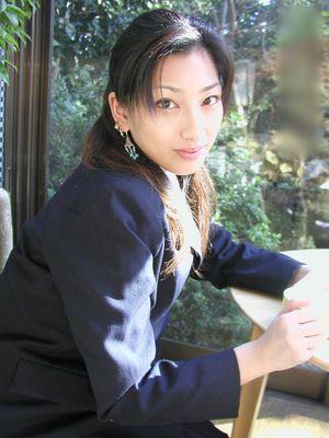 AV女優 朝河蘭 1年212タイトルは...
