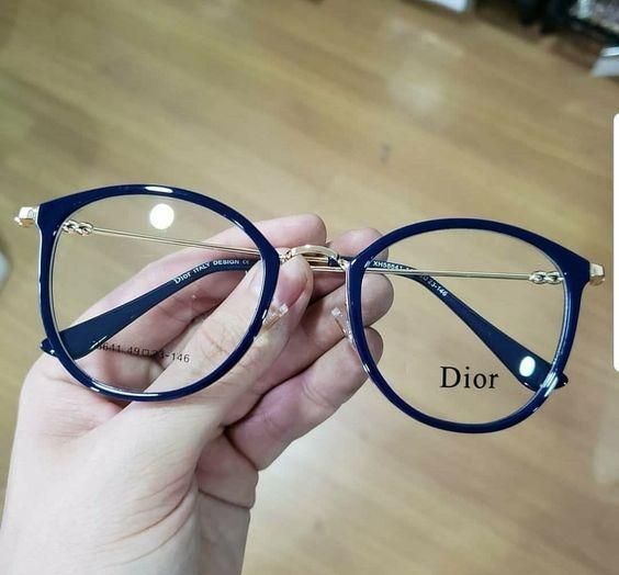 26bf68455b4 Armação óculos de grau preta Dior   www.comestilounico.com.br ...