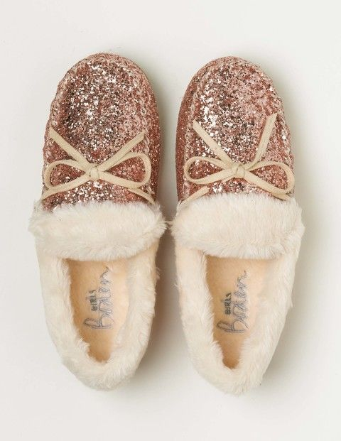 buy online 692b7 29232 Add a touch of magic to your outfit with our sparkly slippers in rose gold  glitter. A soft and fluffy faux-fur lining keeps toes toasty, while  hardwearing ...