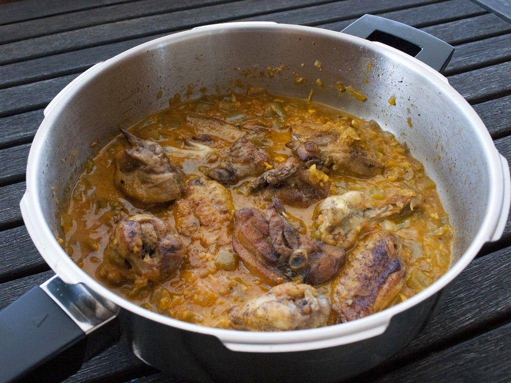 Cocina en olla rapida pollo guisado con receta for Cocinar con olla express