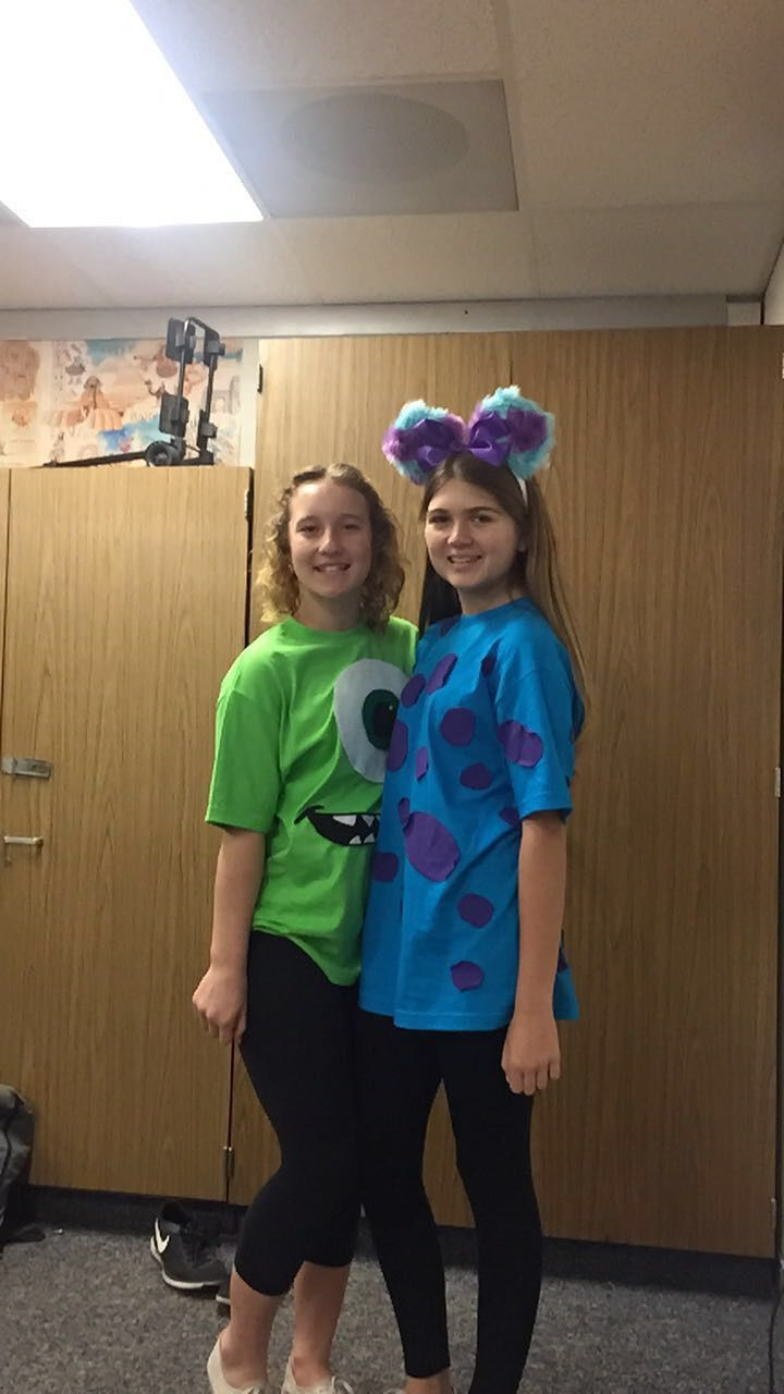 Cute Disney Day Costume To Do With Your Best Friend
