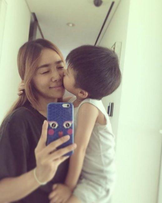 Yang Hyun Suk S Wife Lee Eun Joo Shares A Glimpse Of Daily Life With Their Son Soompi Yang Hyun Suk Life Daily Life