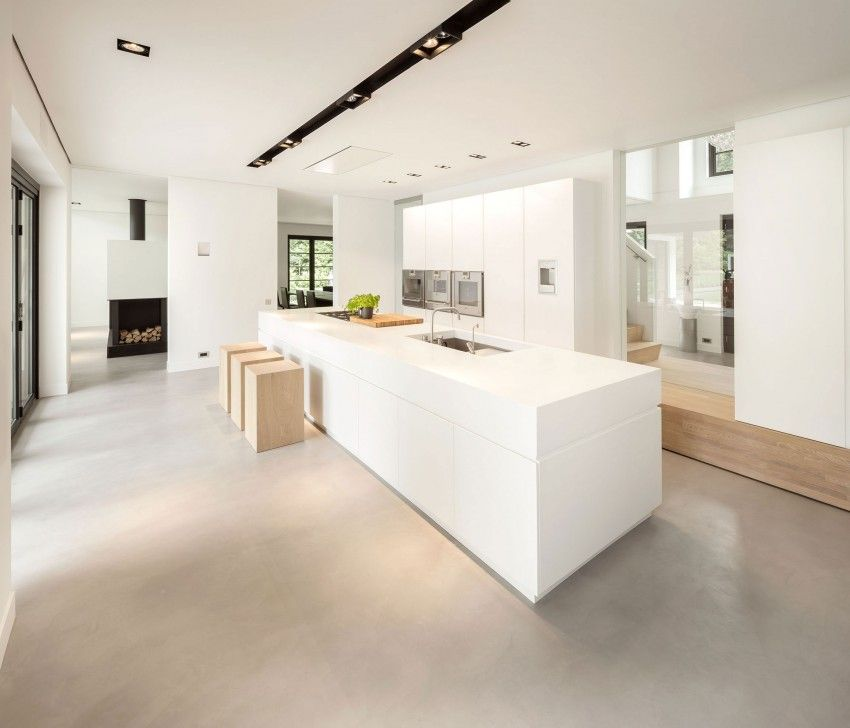 Valkoinen keittiö, saareke, betonilattia