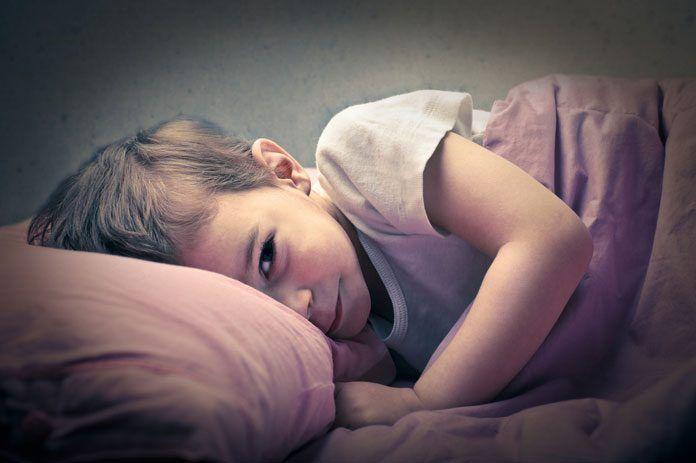 Kleinkind Wacht Nachts Auf