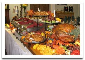buffet table decoration for thanksgiving with turkey - Thanksgiving Dinner Table Ideas