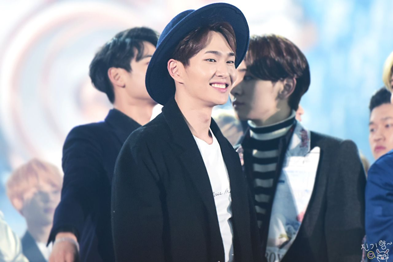 FUCKYEAH LEADER ONEW