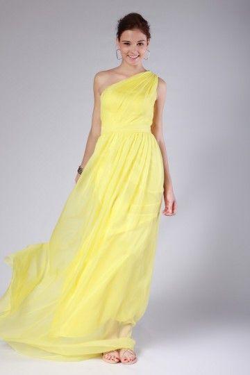 Te mostraré una gran variedad de vestidos largos con escotes ...