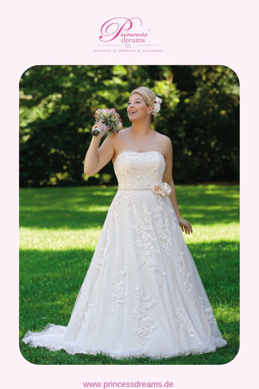 Brautkleid für kurvige Bräute in großer Größe  Das Brautkleid von