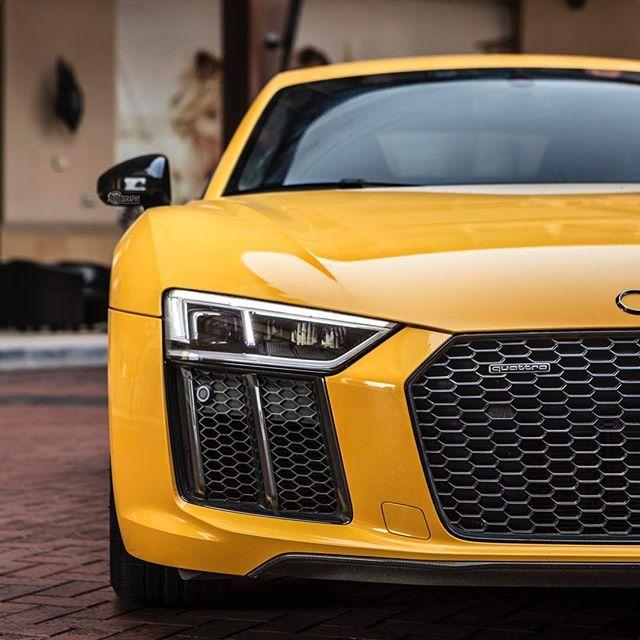 Yellow Stare. Car: 2017 @Audi R8 V10 Plus (610hp, V10 5.2