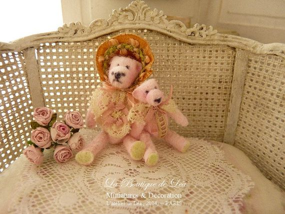 Teddy bears Victorian duo, Romantic pink, Decorative accessories for miniature house in 1/12 scale