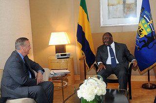 Tete A Tete Entre Le President Ali Bongo Ondimba Et Le General Jones Talk Show