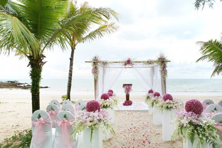 Beach set up for affordable hawaii weddings on oahu hawaiian beach set up for affordable hawaii weddings on oahu junglespirit Image collections