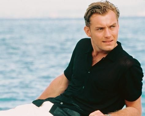 'Jude Law, The Talented Mr. Ripley (1999)' Photo - | Art.com