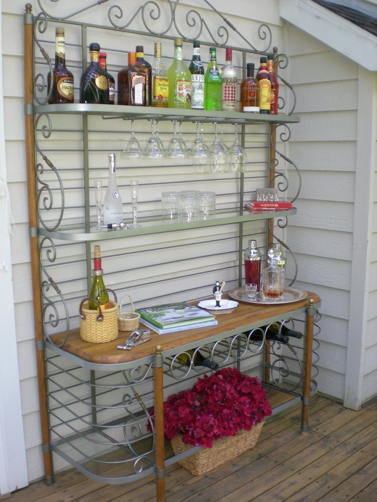 Baker S Rack Outdoor Bar With Images Diy Outdoor Bar Outdoor