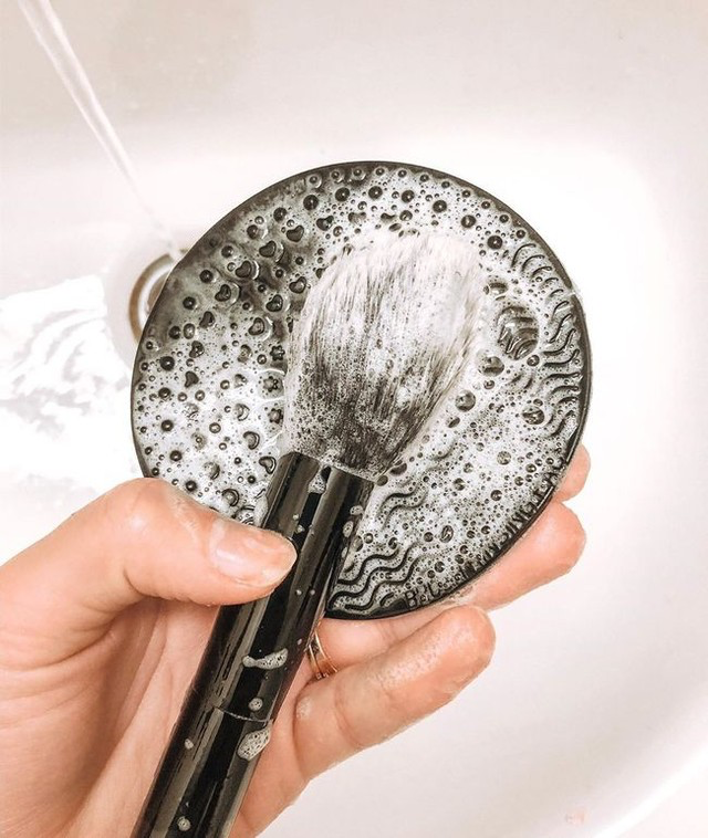 "Photo of Dr. Bronner's on Instagram: ""DIY Makeup Brush Cleaner: one drop of Dr. Bronner…"