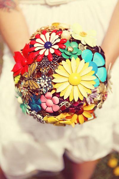 textilejunkie:    missmabel:    via a beautiful mess: style me pretty