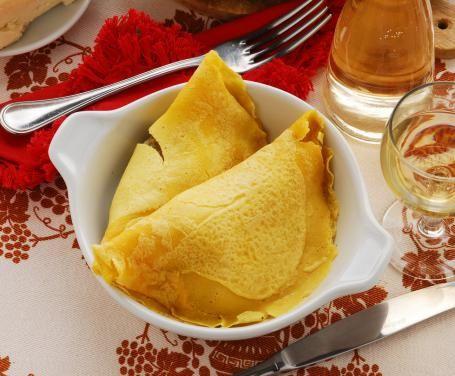 Le crespelle fiorentine sono una gustosa pietanza che può essere consumata sia come primo che come secondo piatto, a seconda delle circostanze.