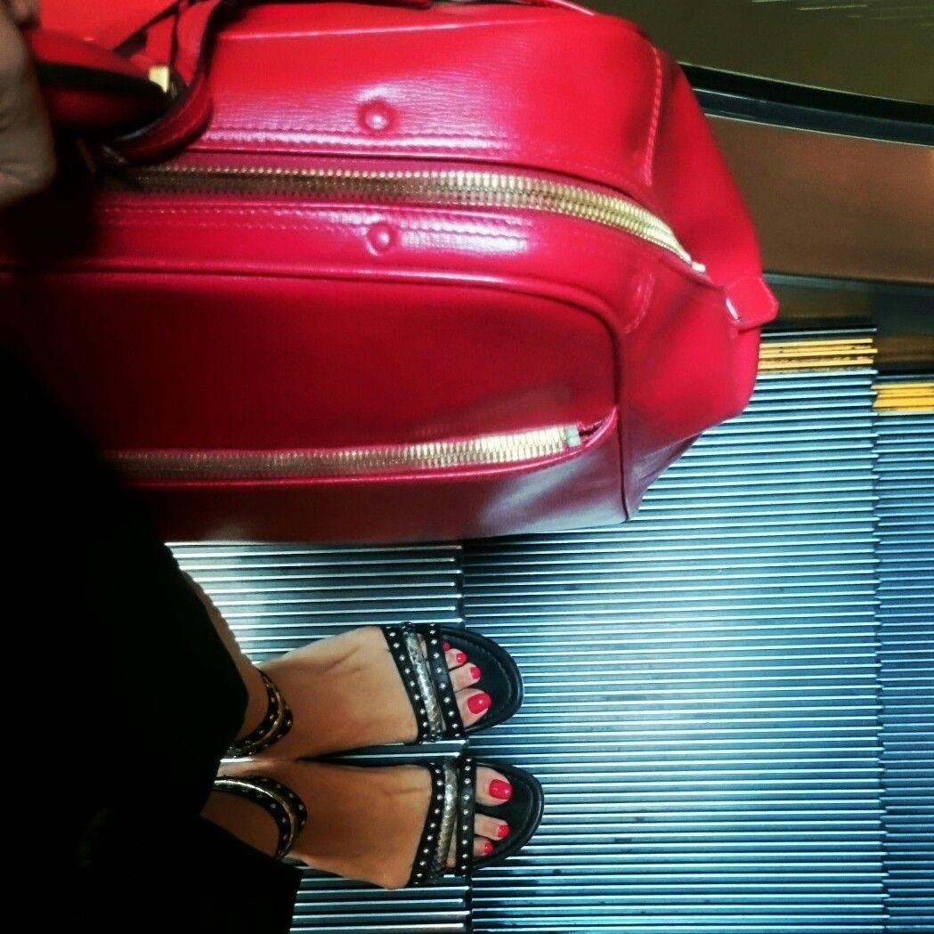 #red #nail #polish #valextra #gianvittorossi