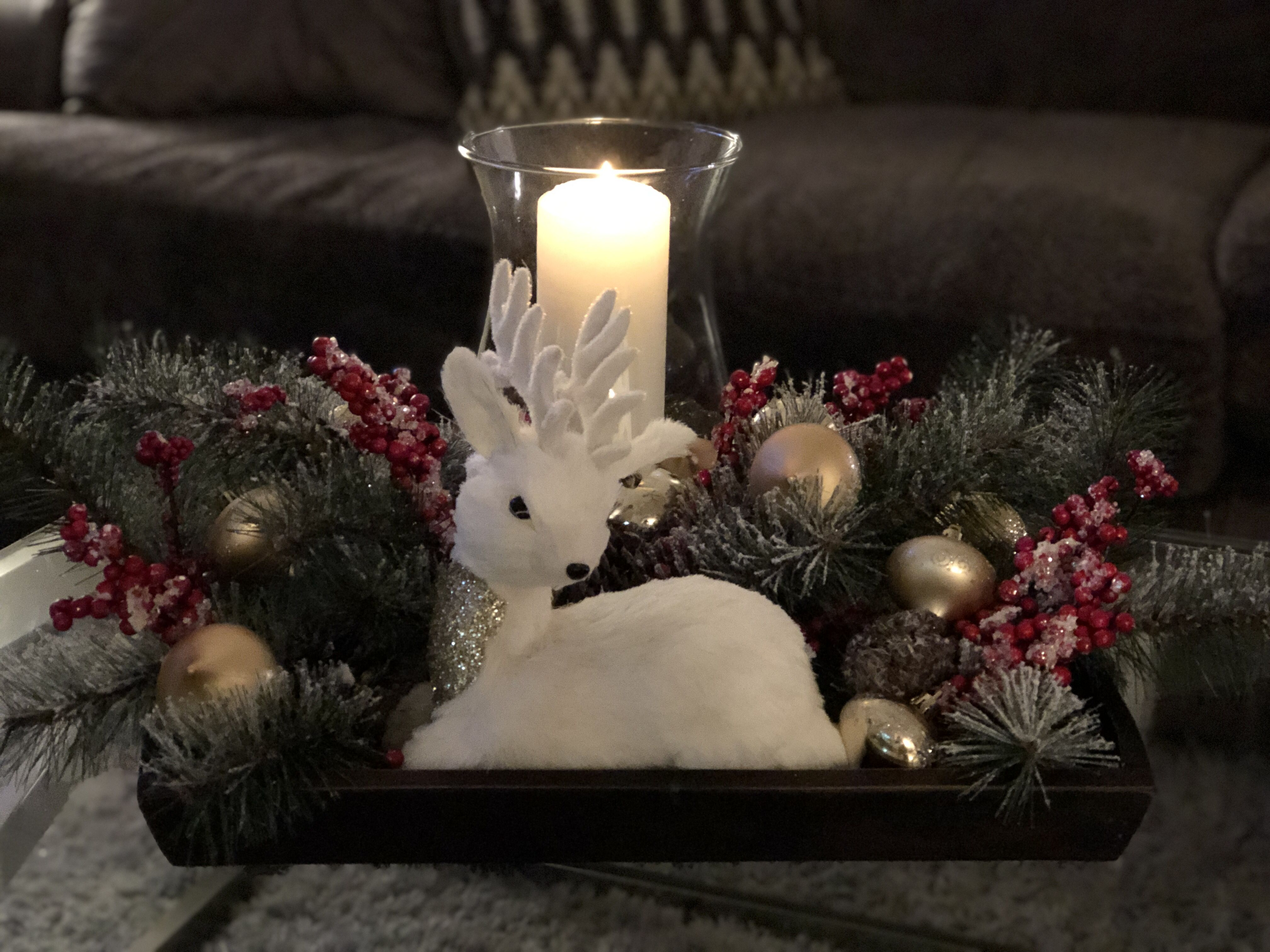 Christmas decorations for coffee table | Christmas coffee ...