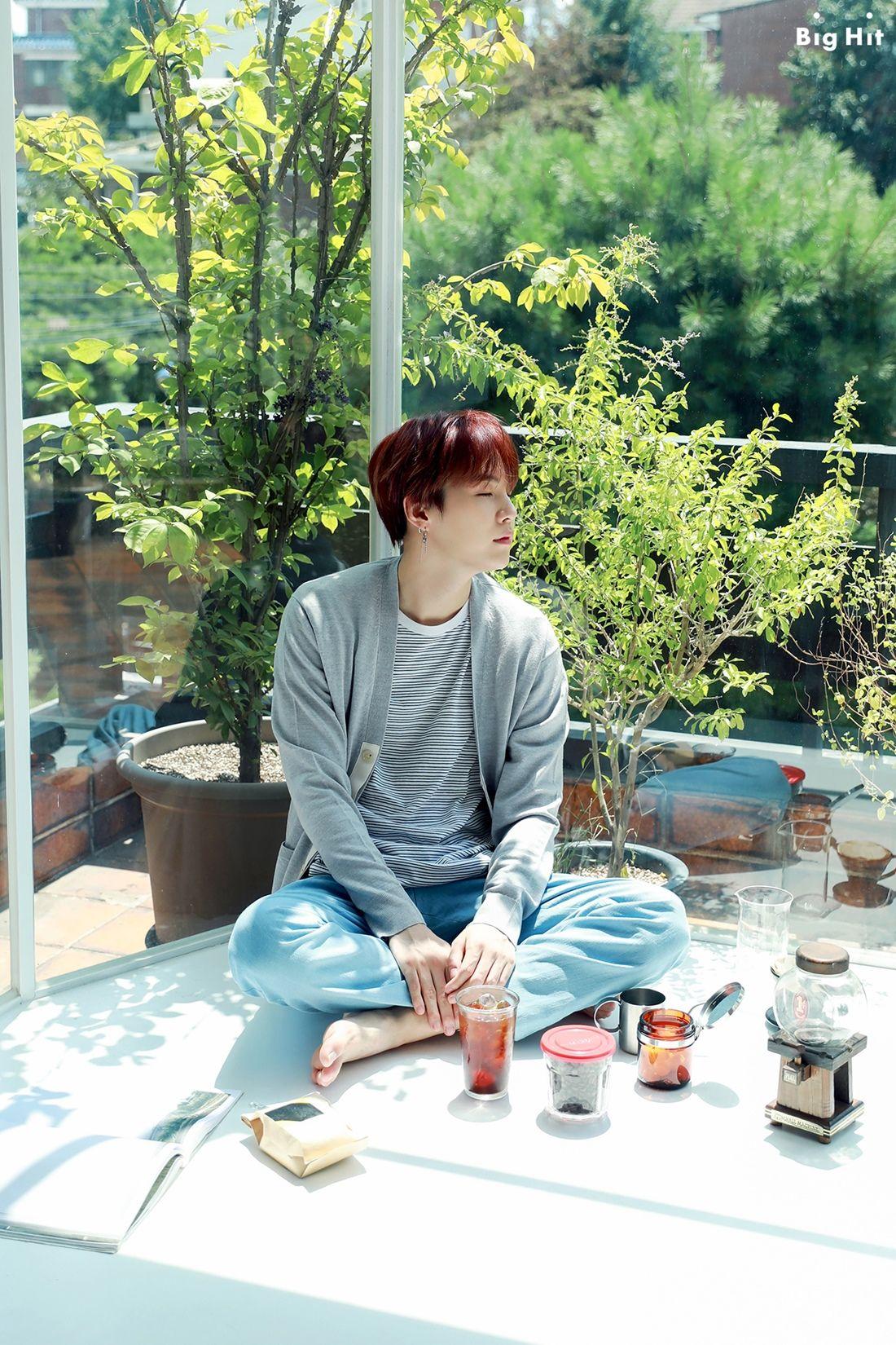 #방탄소년단 #BTS #민윤기 #SUGA 2019 SEASON'S GREETINGS Starcast