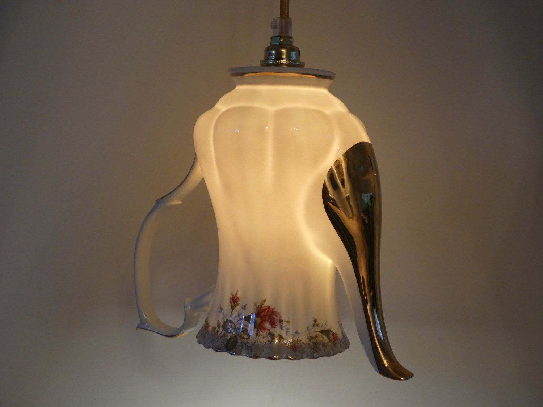 Hanglamp van vintage porseleinen koffiepot met rozen door upservies op Etsy