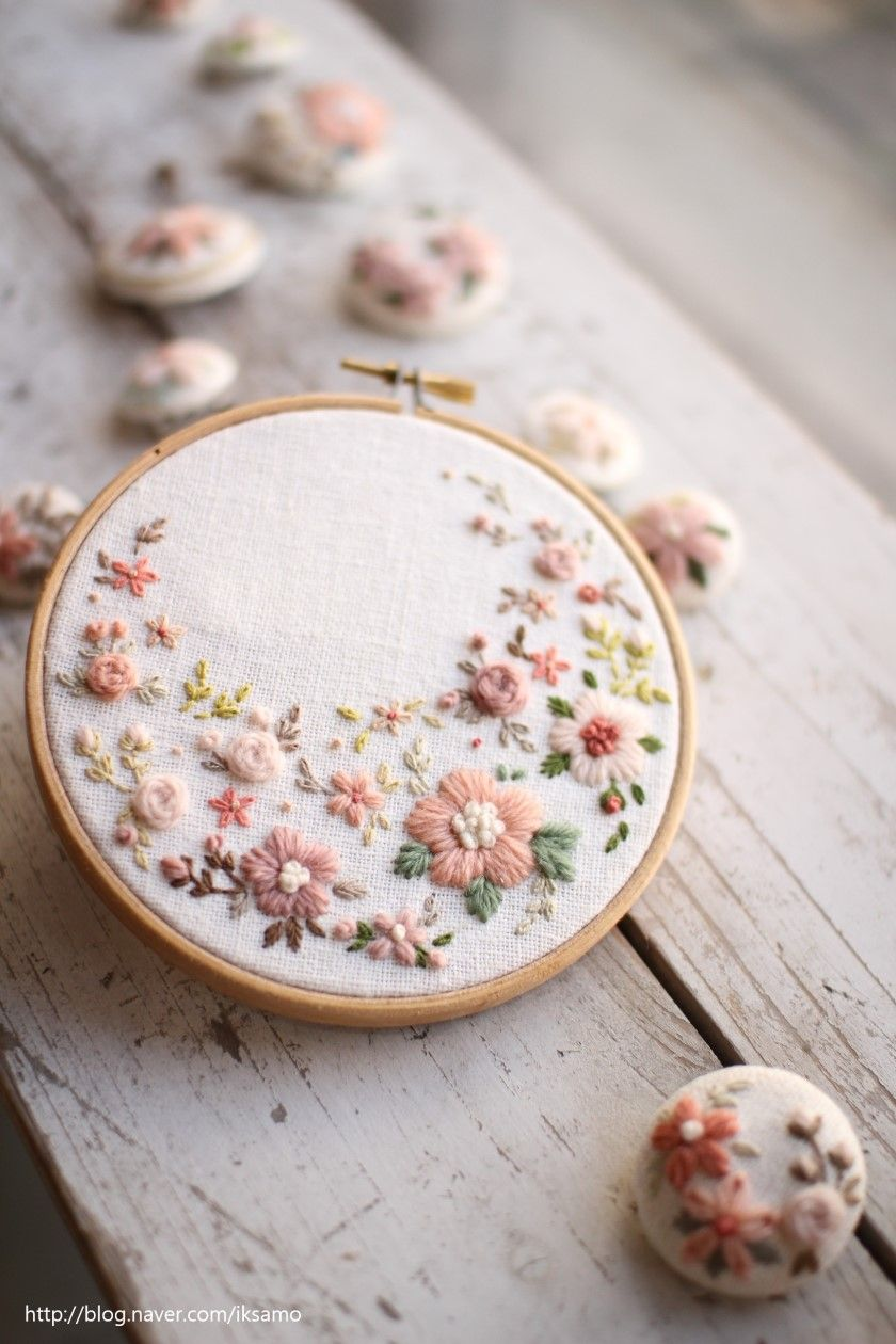 beautiful floral crescent embroidery #floralembroidery