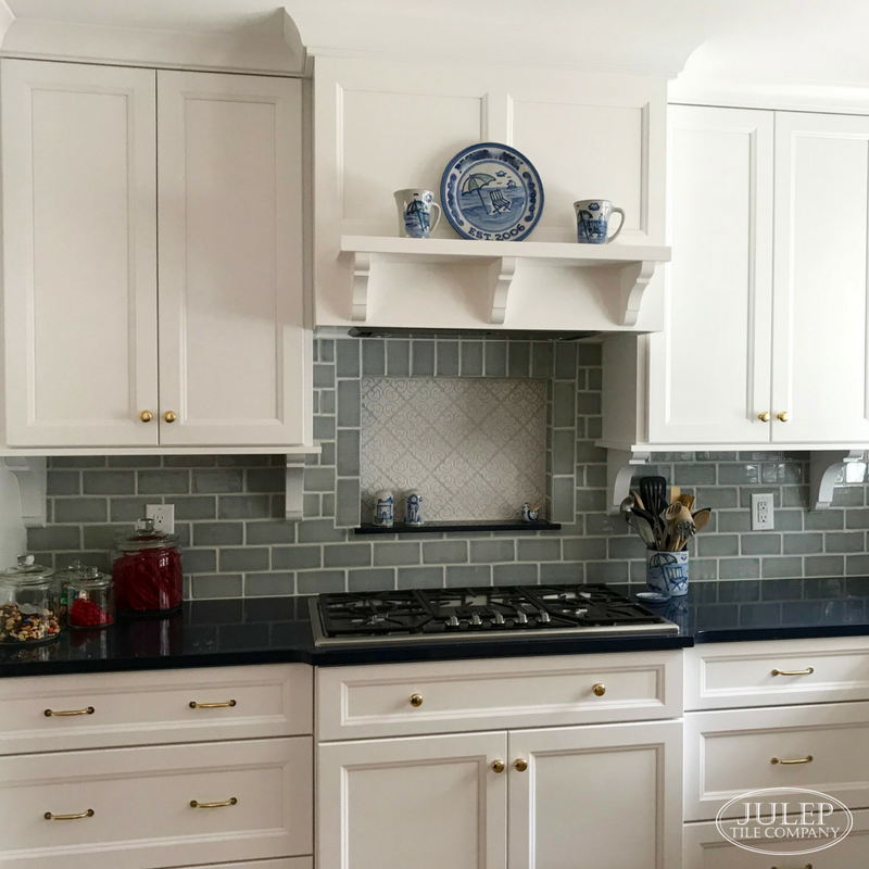 Dreamy Traditional Kitchen With Seaside Style