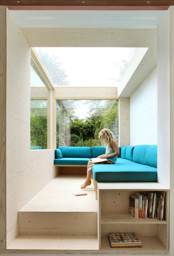 A Sofa in the Garden | amunt | Archello